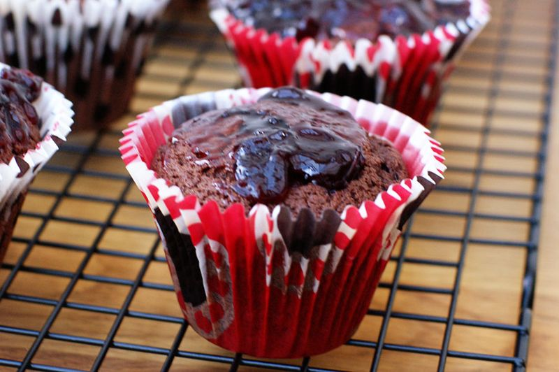 2010-11-07 - Black forest cupcakes 3