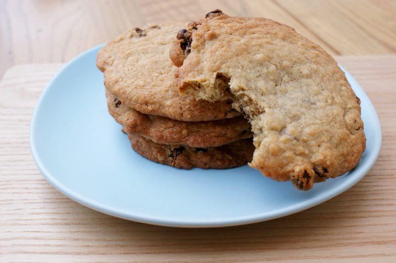 2011-04-16 - Hummingbird Oatmeal and Raisin cookies