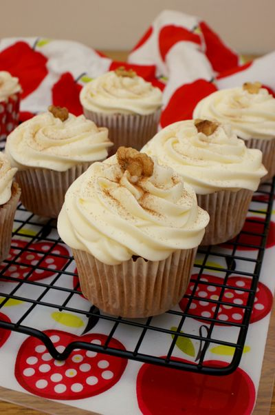 Apple walnut pecan cupcakes 4