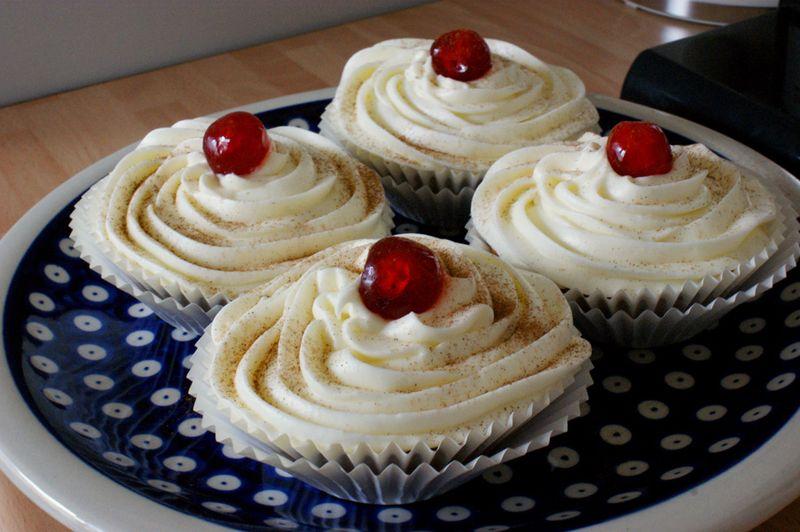 Apple walnut pecan cupcakes 5