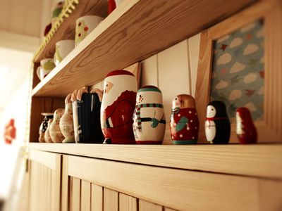 Matryoshka shelf