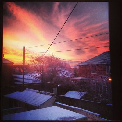 Red sky in the morning_sm