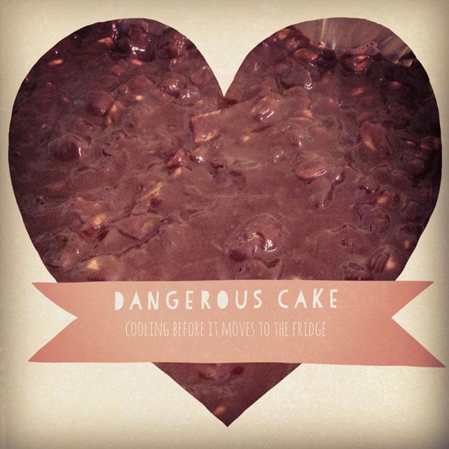 Dangerous cake cooling_sm