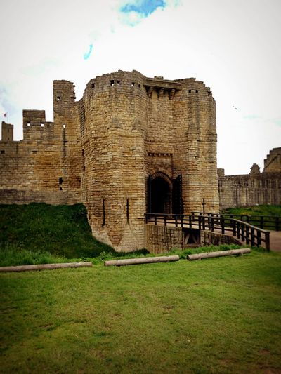 Warkworth castle_sm