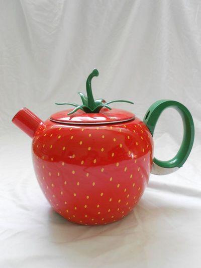 2014-02-13 - berry nice teapot