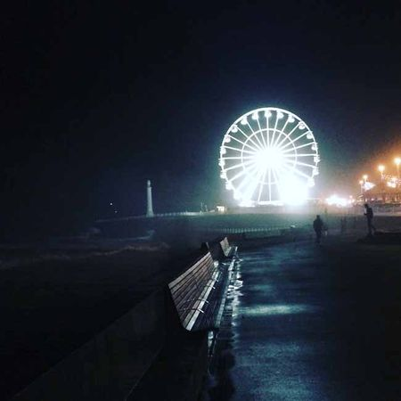 A nice stroll down the promenade_sm