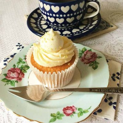 Amazing lemon meringue cupcakes_sm