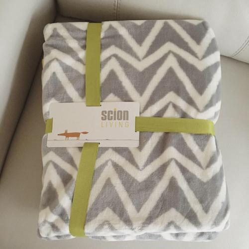 Nameday gift throw_sm