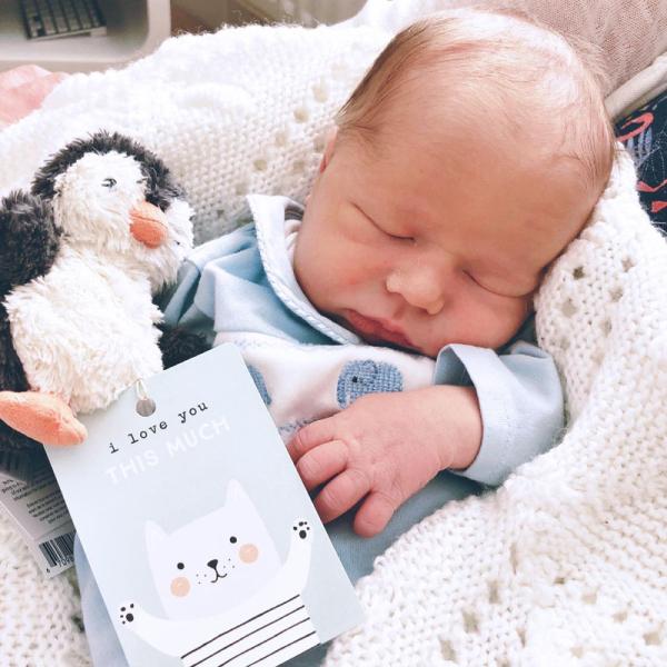 Baby cuddles_sm