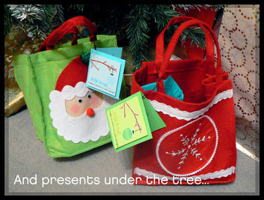 Presents_under_the_tree